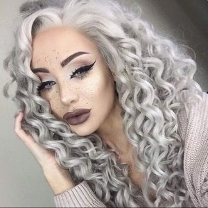 """💕ARIE 24"""" BABY GRAY CURLY LACE FRONT WIG 💕 NWT"""